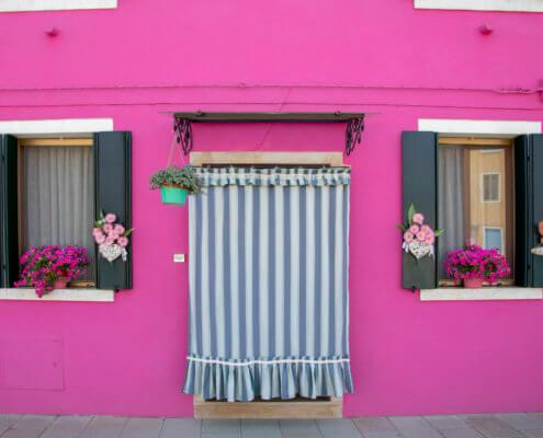 Burano, Italy, pink house, tourst attraction, tourists, windows, old, curtain, Włochy, różowy dom, okna