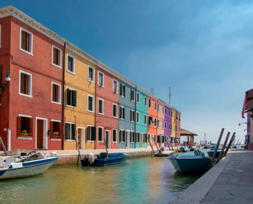 Burano, Italy, colorful houses, canal, boats, tourst attraction, tourists, Włochy