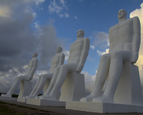 Mennesket ved Havet, Denmark, Ludzie nad morzem, tourist attraction, white, clouds, sky, white people, stone, stone people, statue, posąg