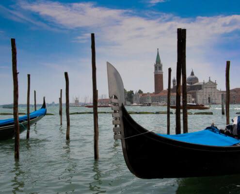 Gondola wenecka, Venetian gondola, touris attraction, tourist, blue boat, boat, old boat, old