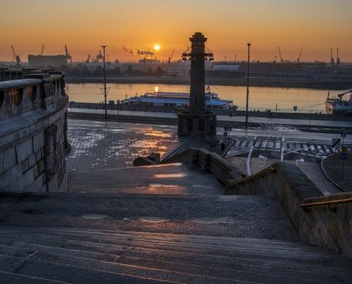 Szczecin Wały Chrobrego schody wschód słońca sun rise in Stettin stairs
